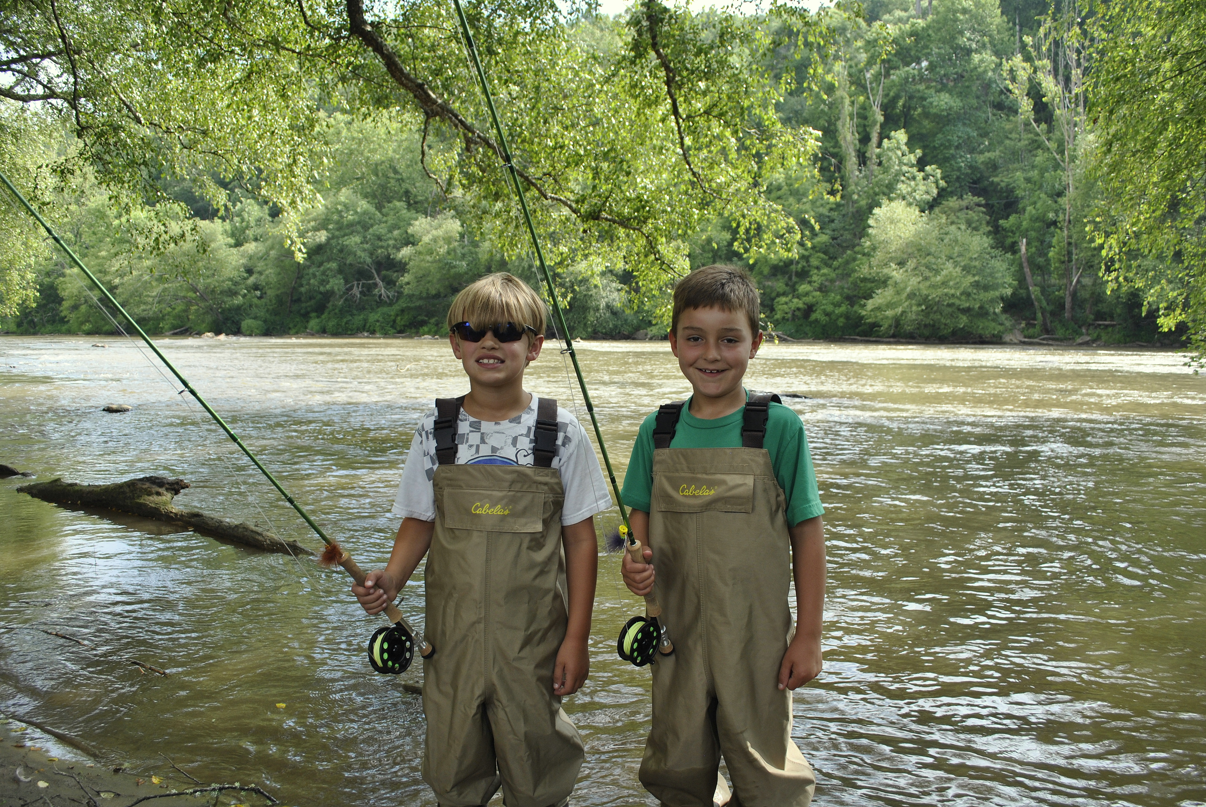 Fly fishing guides gatlinburg pigeon forge sevierville for Kids fishing waders